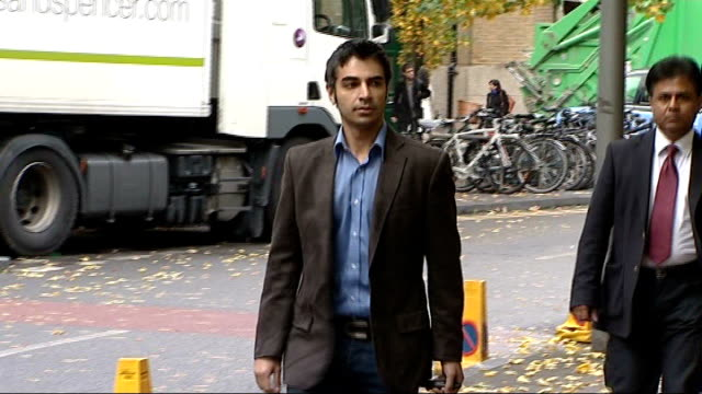 stockvideo's en b-roll-footage met mervyn westfield admits spotfixing in oneday match t01111115 salman butt along outside court mohammed asif leaving court - channel 4 news
