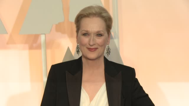 meryl streep and don gummer at 87th annual academy awards - arrivals at dolby theatre on february 22, 2015 in hollywood, california. - メリル・ストリープ点の映像素材/bロール
