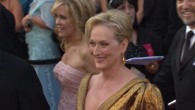 vídeos de stock, filmes e b-roll de meryl streep at 84th annual academy awards arrivals on 2/26/12 in hollywood ca - meryl streep