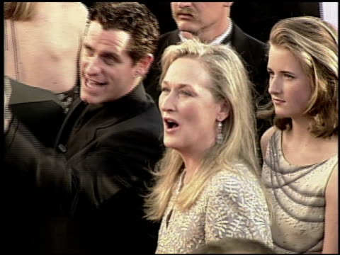 meryl streep at the 2000 academy awards at the shrine auditorium in los angeles california on march 26 2000 - 72nd annual academy awards stock videos and b-roll footage