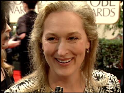 vídeos de stock, filmes e b-roll de meryl streep at the 2000 golden globe awards at the beverly hilton in beverly hills california on january 23 2000 - meryl streep