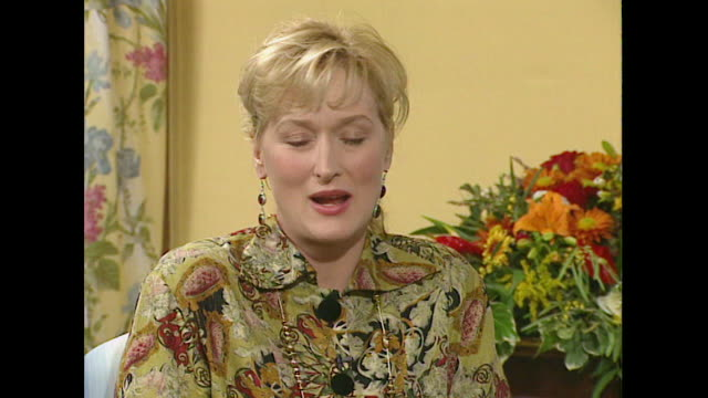 meryl streep describes an actor's life as 'an insecure one' - メリル・ストリープ点の映像素材/bロール