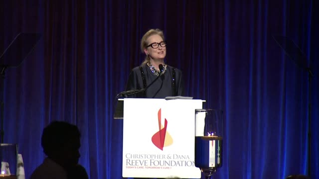 speech meryl streep discusses the gala and her relationship with christopher reeve at the christopher dana reeve foundation hosts 25th anniversary a... - christopher and dana reeve foundation stock videos and b-roll footage