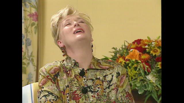 meryl streep on enjoying the filming of her critically panned film 'she devil' - メリル・ストリープ点の映像素材/bロール