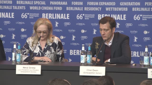 stockvideo's en b-roll-footage met interview meryl streep on how she watches films what she's looing forward to at the berlinale at international jury press conference 66th berlin... - internationaal filmfestival van berlijn