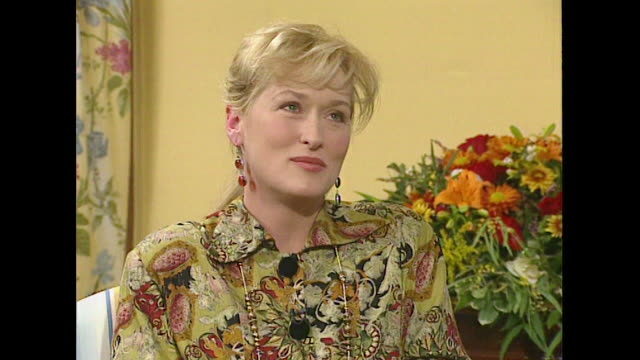 meryl streep talks about a lack of positive female representation in cinema - roseanne barr stock videos & royalty-free footage