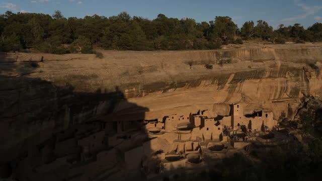 mesa verde national park, indian ruins, colorado - cultura pueblo video stock e b–roll