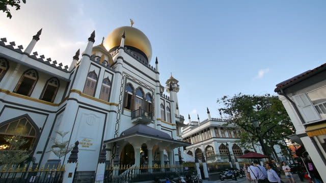mesjid sultan, singapore. - sultan mosque singapore stock videos and b-roll footage