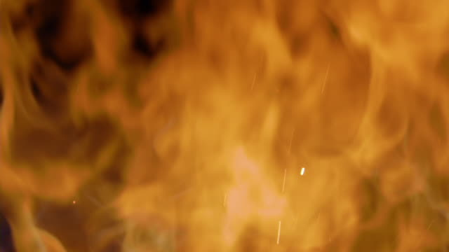 vídeos de stock e filmes b-roll de mesmerising full-frame shot of fire, with sound. - flame