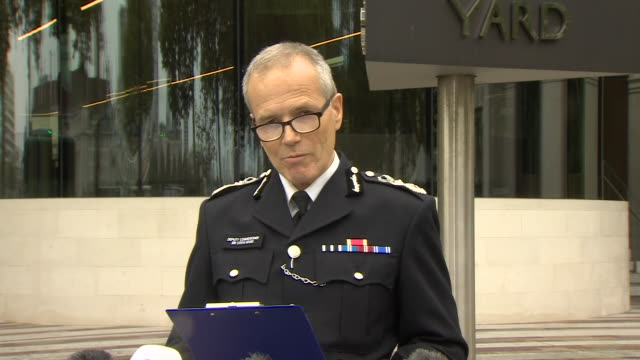 """met police deputy commissioner sir stephen house apologising for """"mistakes made"""" with the false paedophile allegations made by carl beech - mistake stock videos & royalty-free footage"""