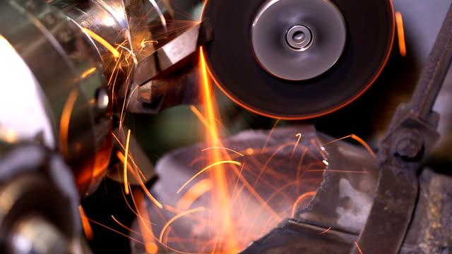 Metal grinding (HD)