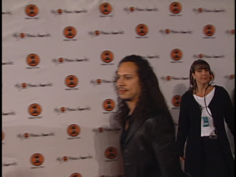 metallica at the my vh-1 music awards at shrine los angeles in los angeles, ca. - メタリカ点の映像素材/bロール