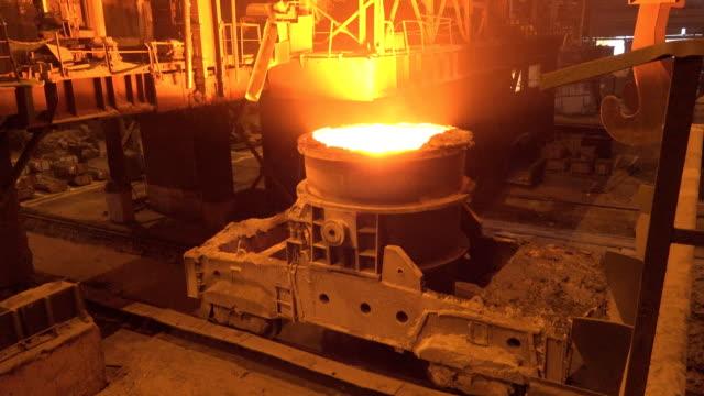 vídeos de stock, filmes e b-roll de metallurgical production - aço