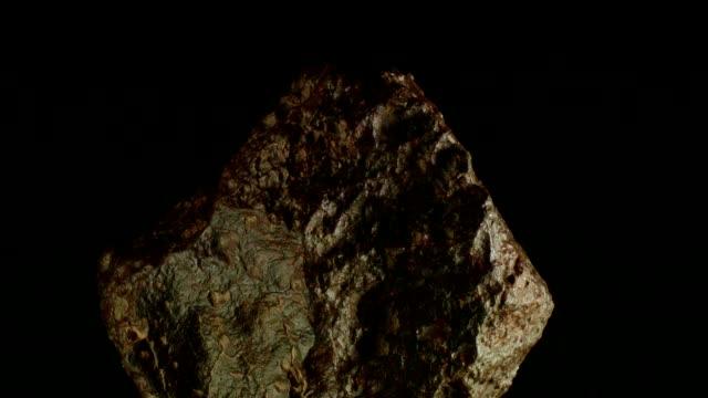 Meteorit drehen auf schwarz