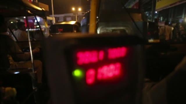 meter on rickshaw in mumbai - rickshaw stock videos & royalty-free footage
