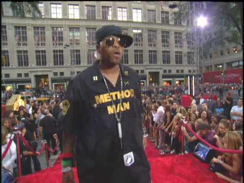 method man arriving to the 2003 mtv video music awards red carpet - 2003年点の映像素材/bロール