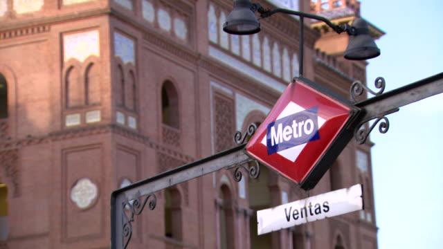 cu metro sign board / marid, spain - western script stock videos & royalty-free footage