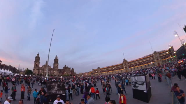 metropolitan cathedral and national palace in mexico city - torre latinoamericana stock videos & royalty-free footage