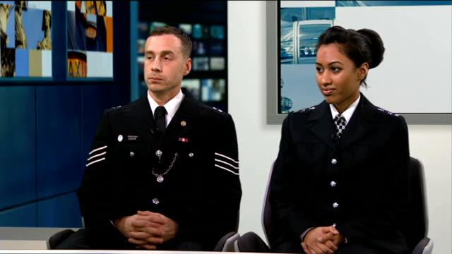 metropolitan police awards celebrate outstanding members of force; england: london: gir: int sergeant steve brown and special constable preet brar in... - ニナ・ホサイン点の映像素材/bロール