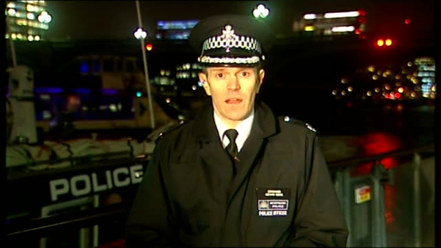 metropolitan police begin anti-terrorism operation in london; england: london: ext / night commander richard morris interview sot - talks of... - ニナ・ホサイン点の映像素材/bロール