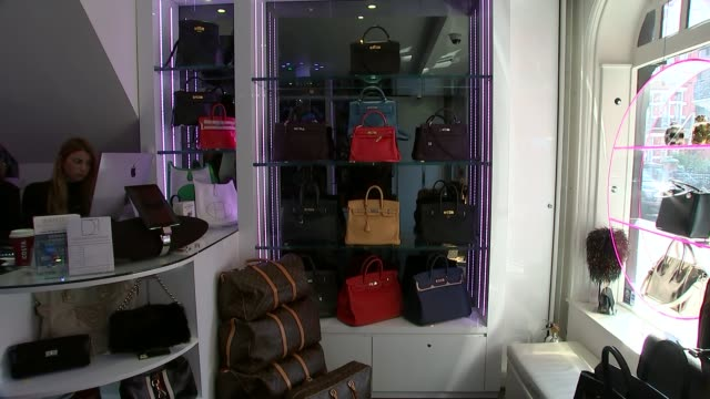 metropolitan police commissioner criticised for not meeting targets; knightsbridge: int designer handback on display handbags on display in store gvs... - purse stock videos & royalty-free footage