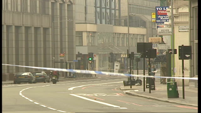 metropolitan police overhaul response procedure after nightclub murder lib day police car parked at cordoned off site where shooting took place... - 警視庁点の映像素材/bロール