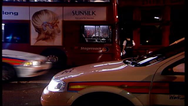 metropolitan police overhaul response procedure after nightclub murder tx 2142003 london clerkenwell turnmills nightclub police officers and police... - islington stock-videos und b-roll-filmmaterial