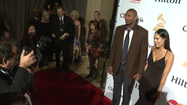 stockvideo's en b-roll-footage met metta world peace and maya ford at the 2016 pregrammy gala and salute to industry icons honoring irving azoff at the beverly hilton hotel on february... - irving azoff