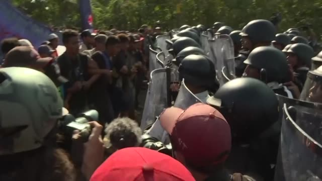mexican authorities detained 800 migrants from honduras and salvador thursday in ciudad hidalgo - mexican american stock videos & royalty-free footage