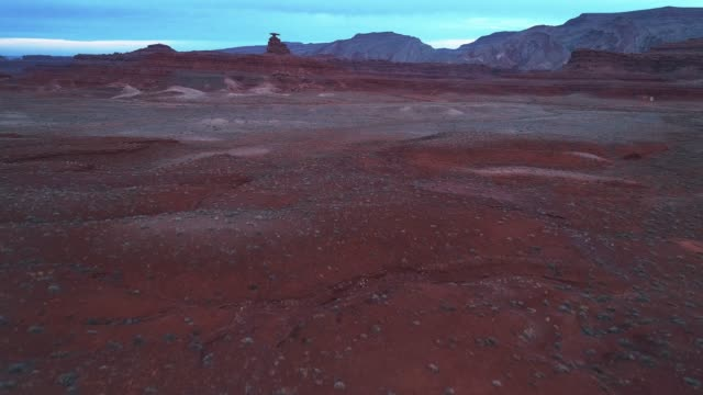 mexican hat - the geological formation in utah - clima arido video stock e b–roll