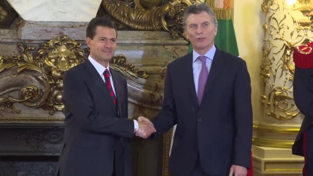 mexican president enrique pena nieto meets with his argentine counterpart mauricio macri friday in buenos aires at the casa rosada while dozens... - casa rosada stock-videos und b-roll-filmmaterial
