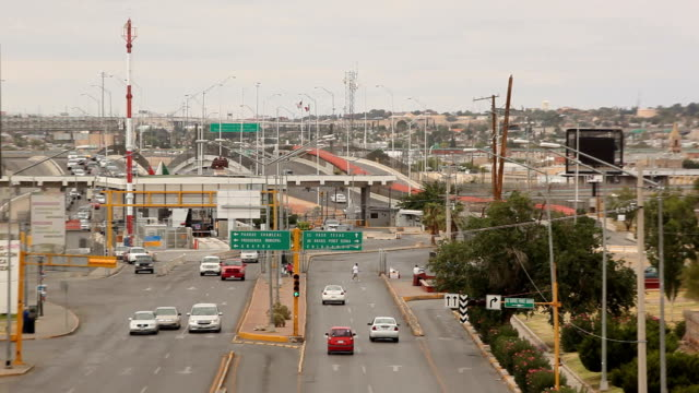 july 17, 2015: us/ mexico border. ciudad juárez is the largest city in the state of chihuahua but it was also the most dangerous city in mexico. it... - us state border stock videos & royalty-free footage