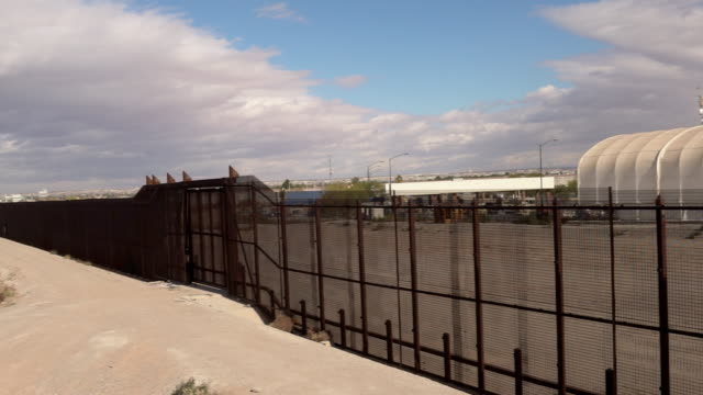 us mexico border wall - international border barrier stock videos & royalty-free footage