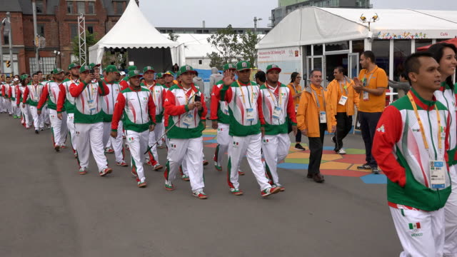 stockvideo's en b-roll-footage met mexico delegation in toronto panam games the country representation is welcome in the athletes' village the pan american games are the largest multi... - redactioneel