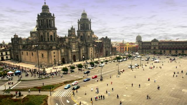 T/L, HA, MS, Mexico, Mexico City, Plaza de la Constitución, Traffic in front of Catedral Metropolitana