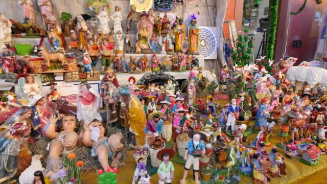 mexico san miguel de allende nativity figures in market.mov - キリスト降誕点の映像素材/bロール