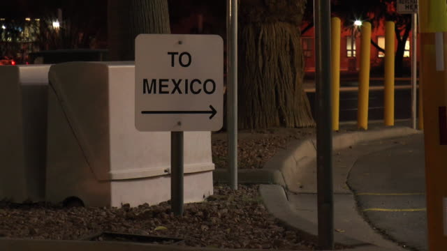 mexico sign, night - border stock videos & royalty-free footage