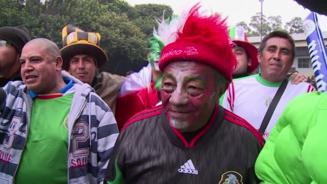 vídeos de stock, filmes e b-roll de mexico takes a huge step toward next year's world cup finals shaking off recent bad form to thrash new zealand 5 1 in their intercontinental play off... - méxico central
