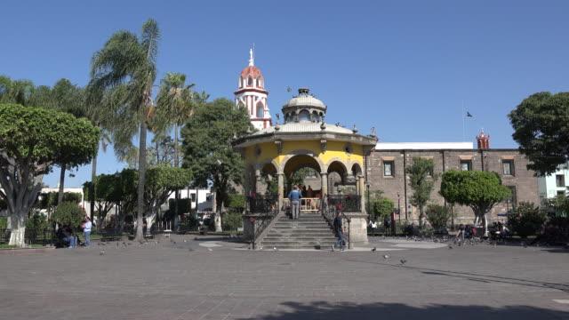 mexico tlaquepaque bandstand plaza jardin hidalgo - bandstand stock videos and b-roll footage