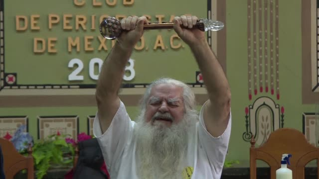 mexico's white haired wizard predicts in the capital on thursday a bewitched shakira and an assassination near venezuela or brazil for 2018 - tarot cards stock videos & royalty-free footage