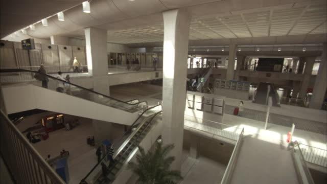 ws ha mezzanine in paris-charles de gaulle airport, paris, france - charles de gaulle stock videos and b-roll footage