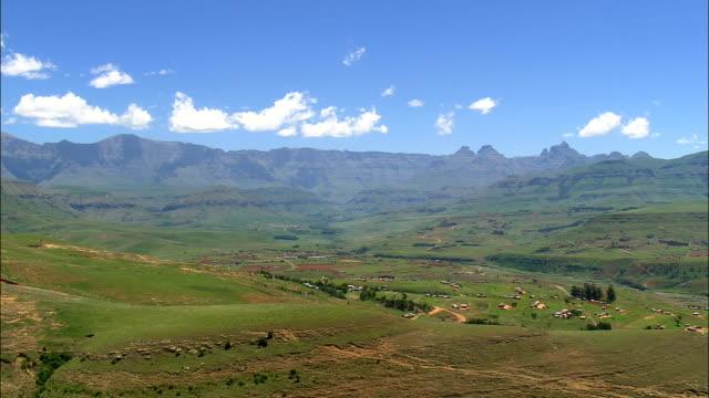vídeos y material grabado en eventos de stock de mhlwazini - vista aérea - kwazulu-natal, sudáfrica - kwazulu natal