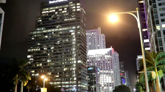 miami bei nacht - autoperspektive stock-videos und b-roll-filmmaterial