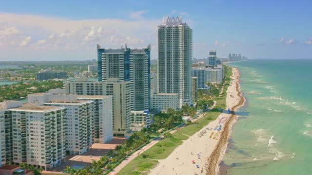 フロリダ州のエアリアルマイアミビーチ, アメリカ合衆国 - マイアミビーチ点の映像素材/bロール