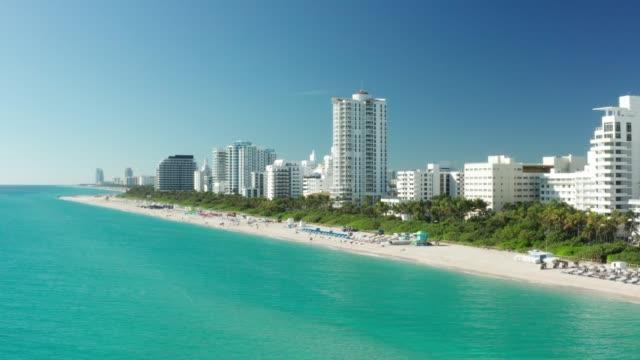 miami beach in the morning, drone view - miami stock-videos und b-roll-filmmaterial