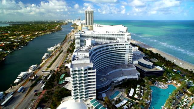 miami fontainebleau luxury hotel resort mid beach florida - ocean avenue stock videos & royalty-free footage