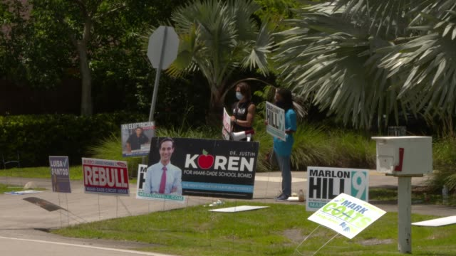 miami residents go to the polls to cast their votes in florida's state primary election on august 18, 2020. republican and democratic primary... - other stock videos & royalty-free footage