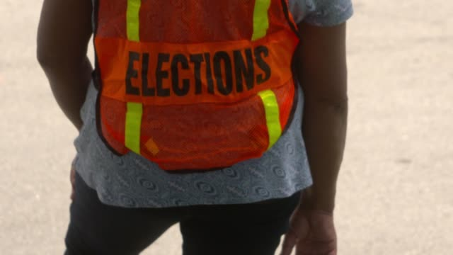 vídeos de stock, filmes e b-roll de miami residents go to the polls to cast their votes in florida's state primary election on august 18, 2020. republican and democratic primary... - florida us state