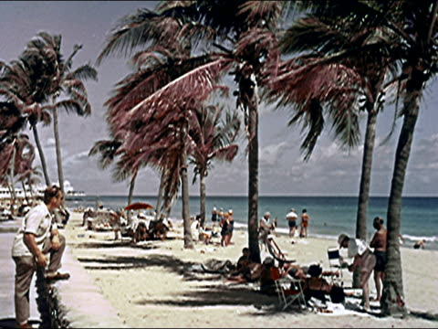 stockvideo's en b-roll-footage met 1956 miami - 1956