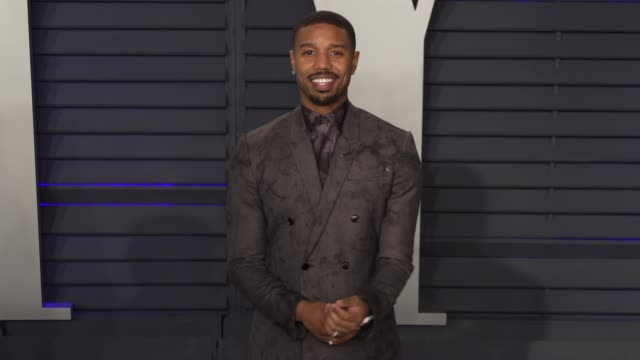 michael b jordan at 2019 vanity fair oscar party hosted by radhika jones at wallis annenberg center for the performing arts on february 24 2019 in... - オスカーパーティー点の映像素材/bロール